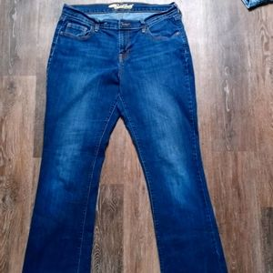OLD NAVY SWEET HEART BOOT CUT JEANS SIZE 12